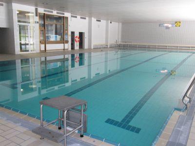 Hallenbad Parsberg, Schwimmbecken innen